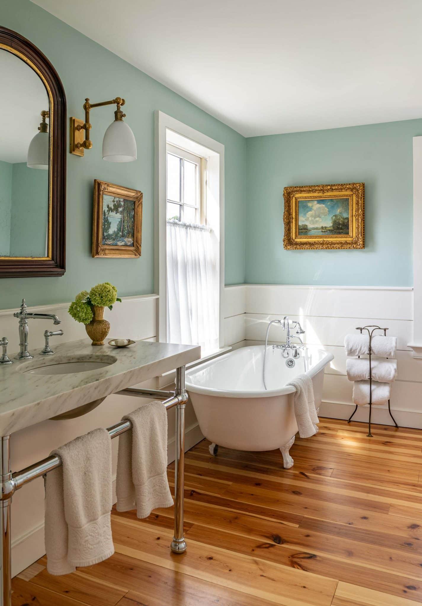 Arrowhead Farmhouse Newburyport MA Bathroom