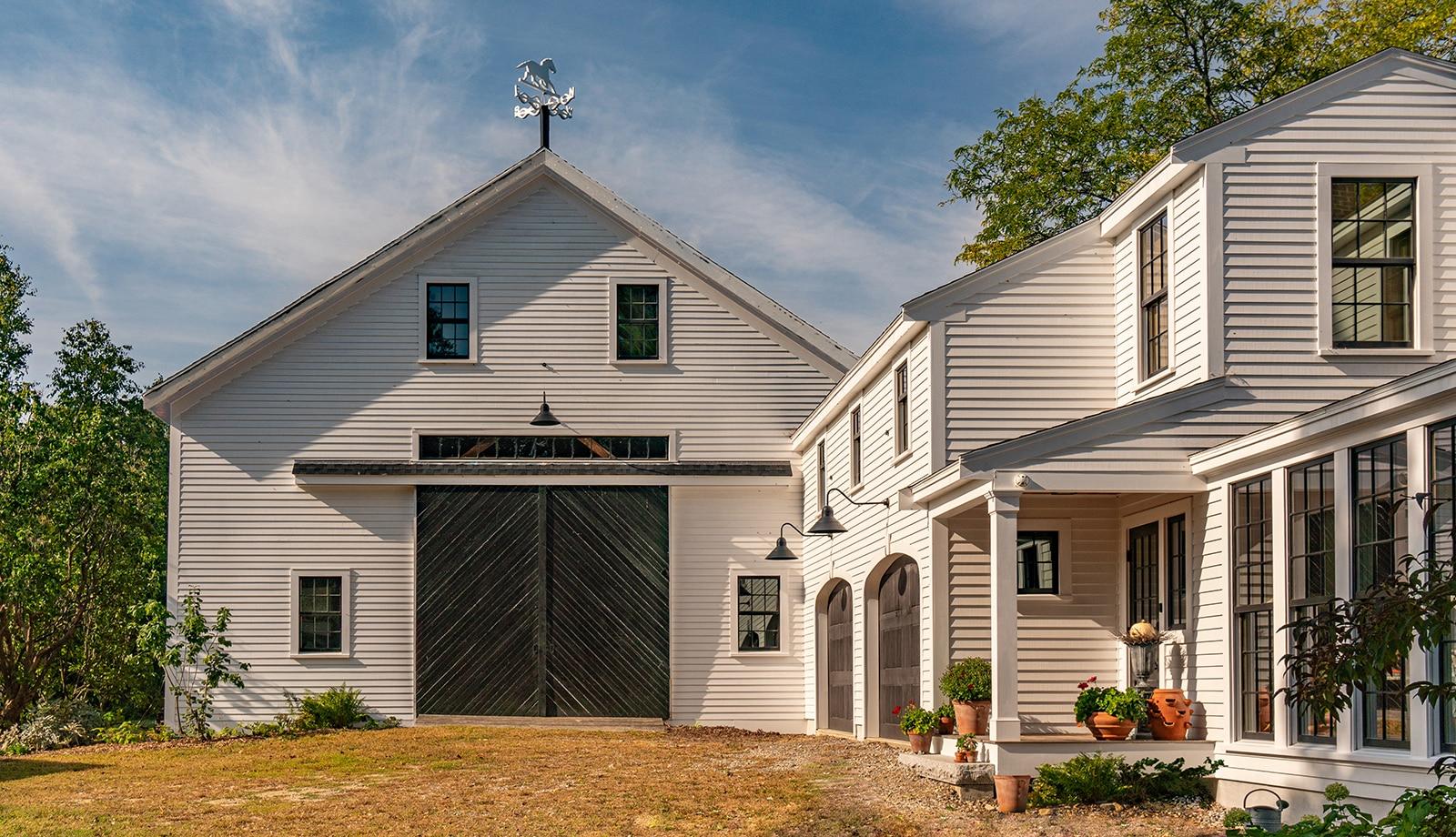 Arrowhead Farmhouse Newburyport MA Exterior edited